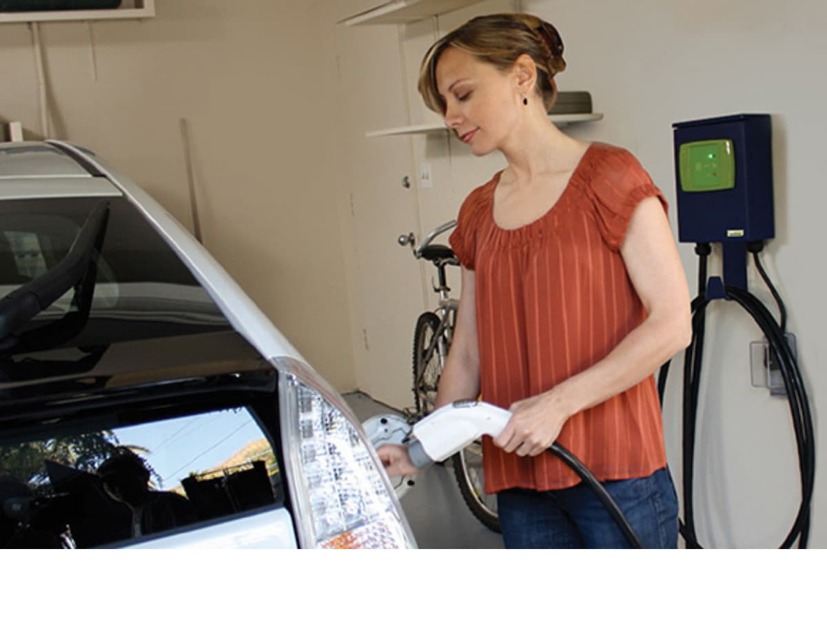 electric car charger installation services Montreal